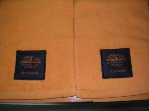 読売ジャイアンツ シーズンシート特典 2019年オレンジタオル、16年7月デザイン 特製応援タオル