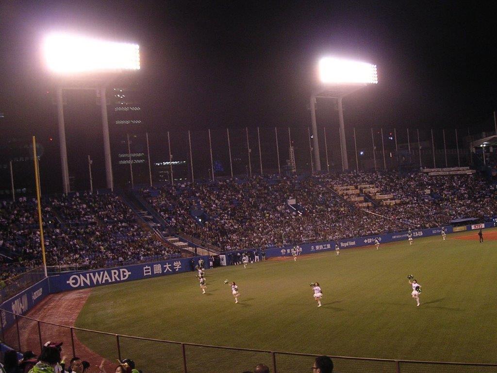 開幕延期 4/17(金)18時 東京ヤクルト対横浜DeNA 神宮球場 2020年の画像